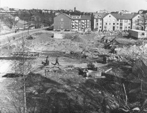 Början av byggandet av Solna-Sundbybergs brandstation år 1958.