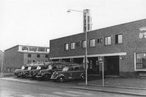 Nyuppförda Solna-Sundbybergs brandstation år 1961. Vårvägen i bakgrunden.