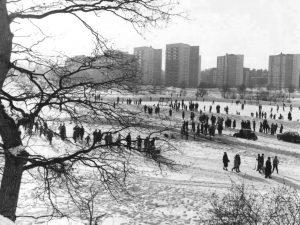 Isbana på Skytteholmsfältet ca 1960.